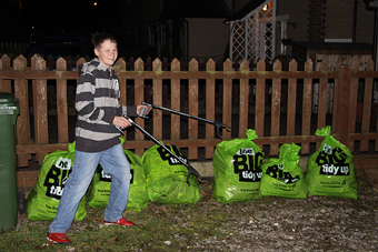 Litter pick, Kings Worthy, December 2008 (448KB)